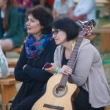 С Эльмирой Галеевой в ожидании выхода на сцену.